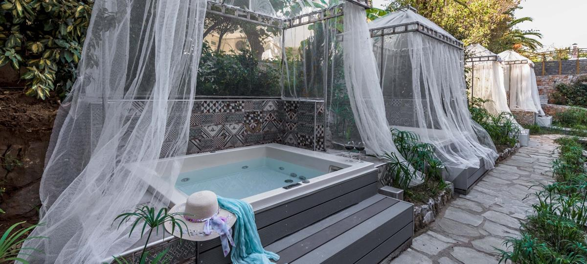 LIMITED OFFER - DOUBLE room with PRIVATE JACUZZI - HB